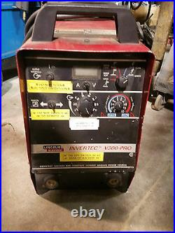 Lincoln INVERTEC V300-PRO Inverter type Power Source withLN-742 Wire Feeder